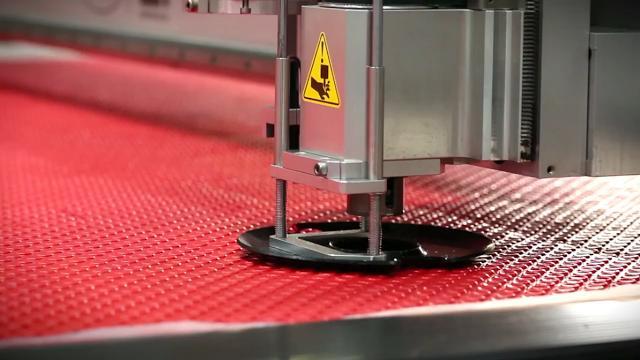 Công nghệ cắt CNC chính xác đến từng mm